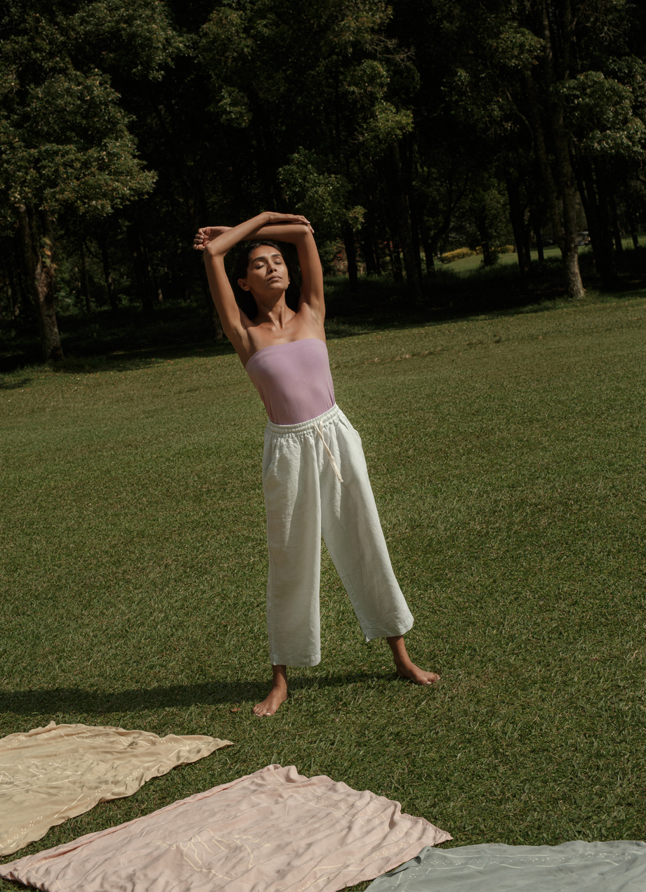 Linen pants / LIFESTYLE