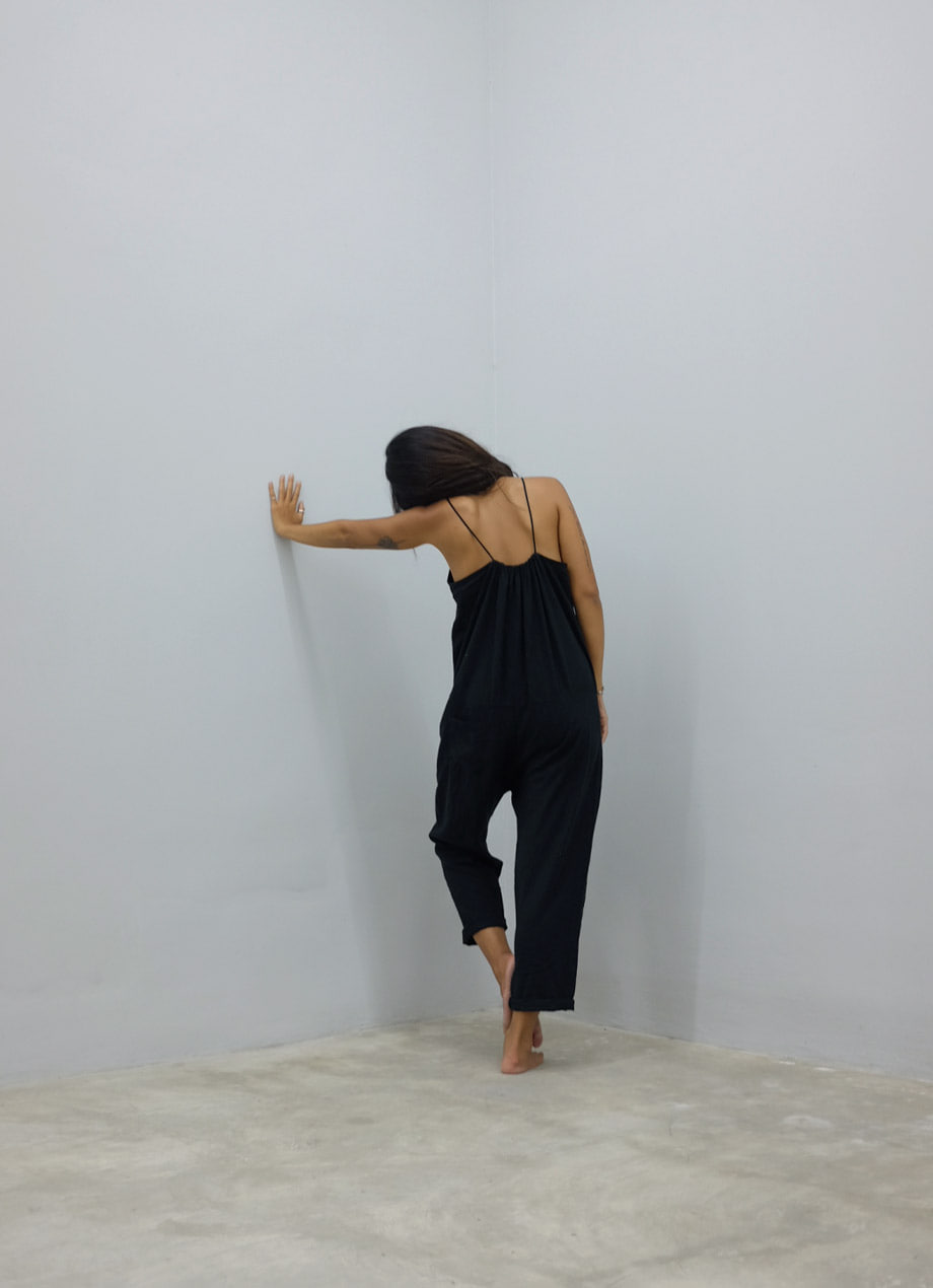 Button Linen jumpsuit / LIFESTYLE