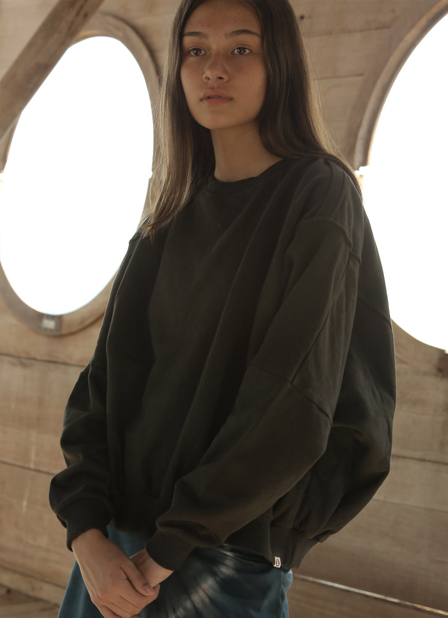Natural plant-dye Jumbo sweat top