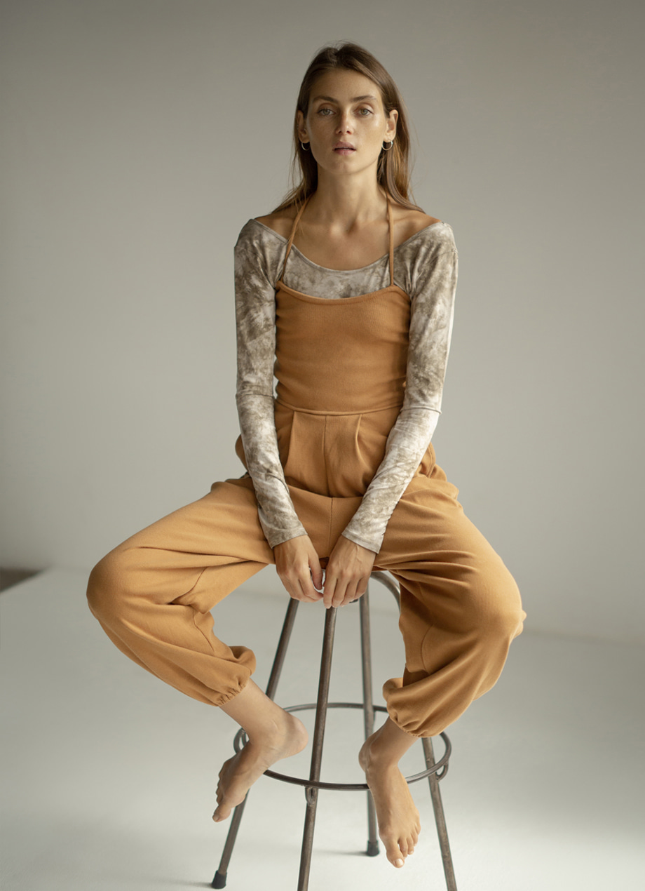 Natural plant-dye Two-thirds jumpsuit