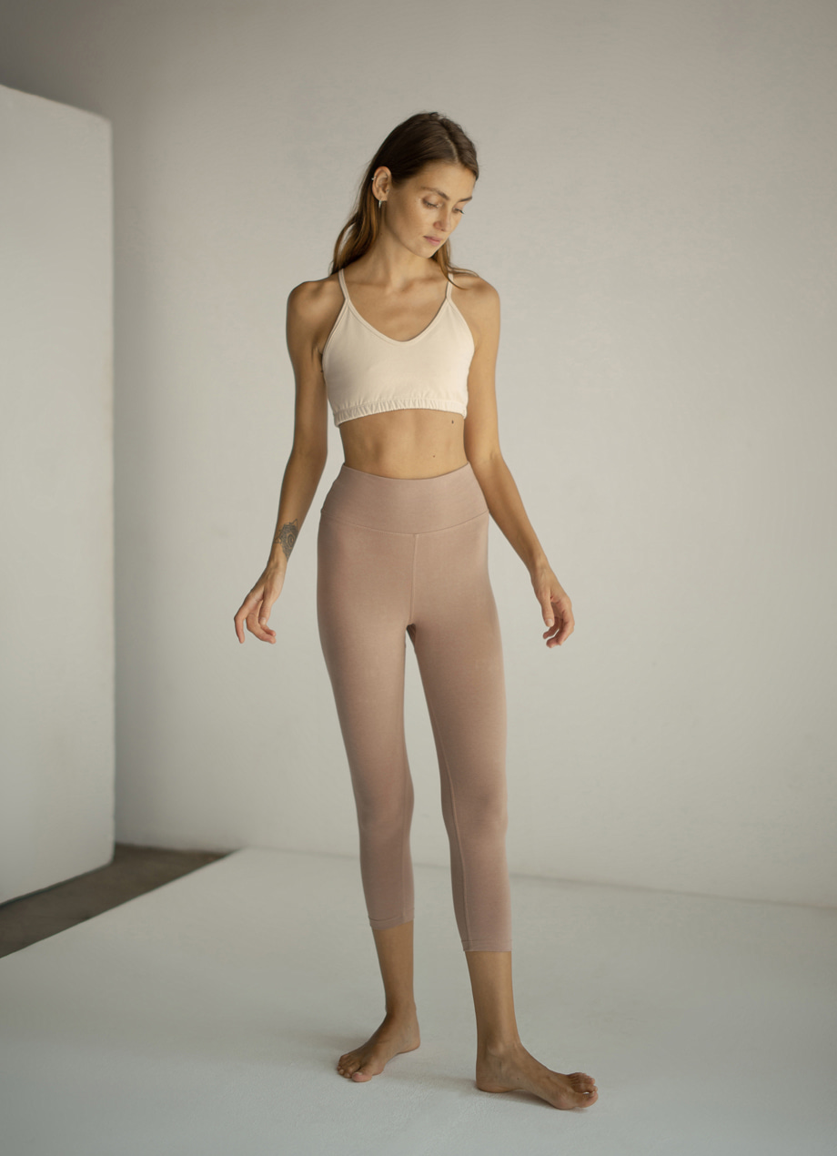 Simple crop pants