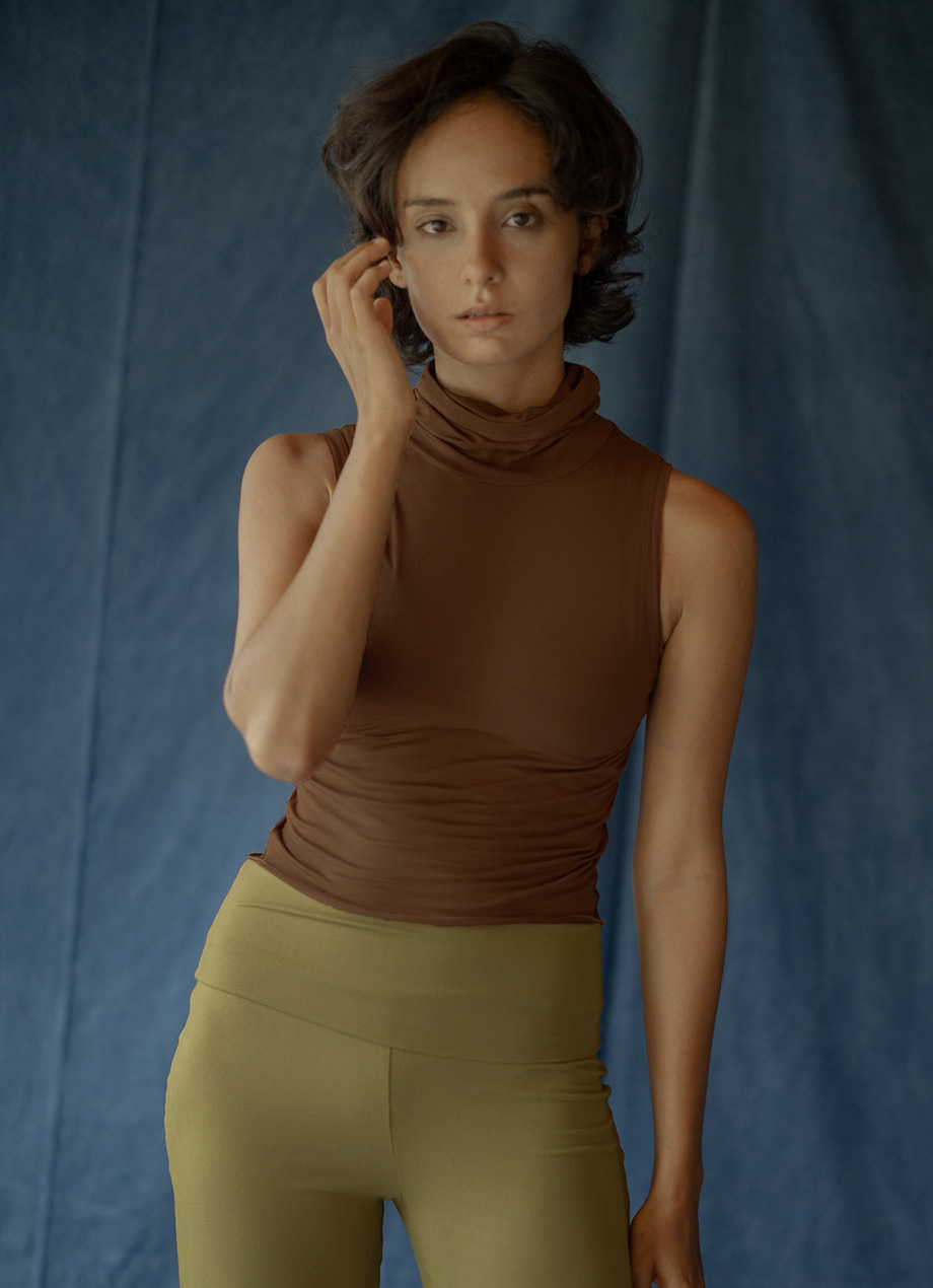 High turtleneck tank top